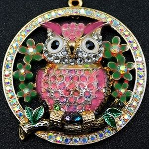 Large Round Pendant - Owl knows WHO gets lucky